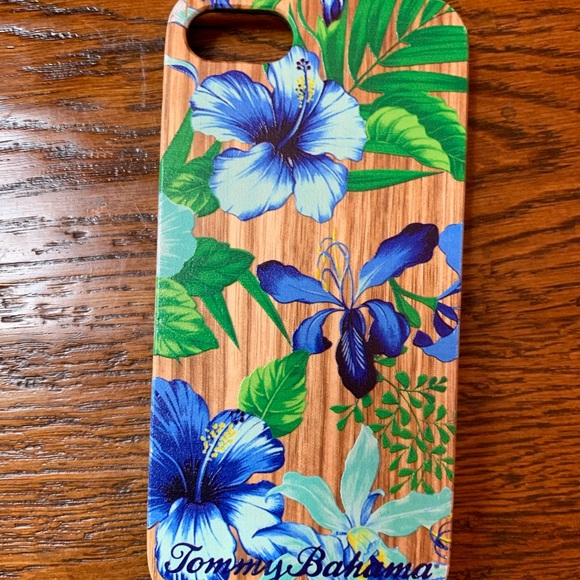 Tommy Bahama Accessories - Tommy Bahama hibiscus wooden iPhone 6/6s7 case